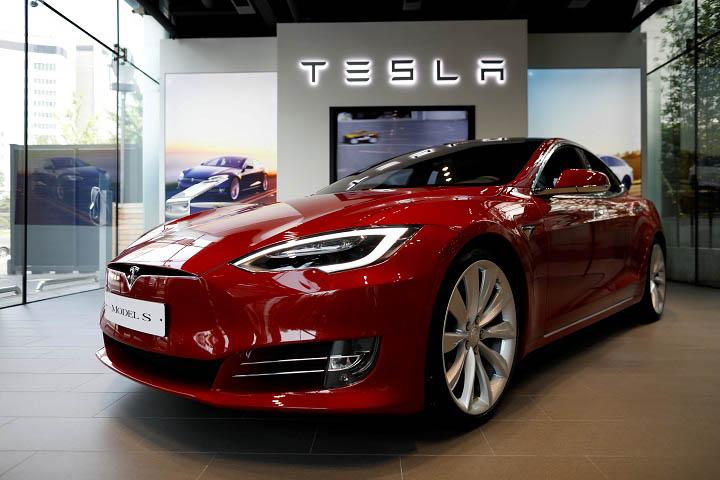 FBI và Bộ Tư pháp Mỹ điều tra hình sự Tesla