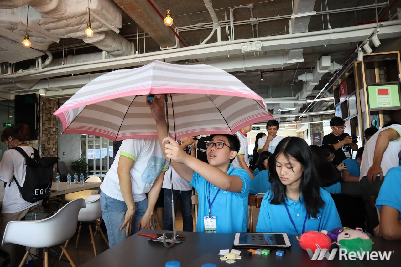 Học sinh VN lần đầu thiết lập chuỗi tự động hóa bằng cảm biến MESH của Sony