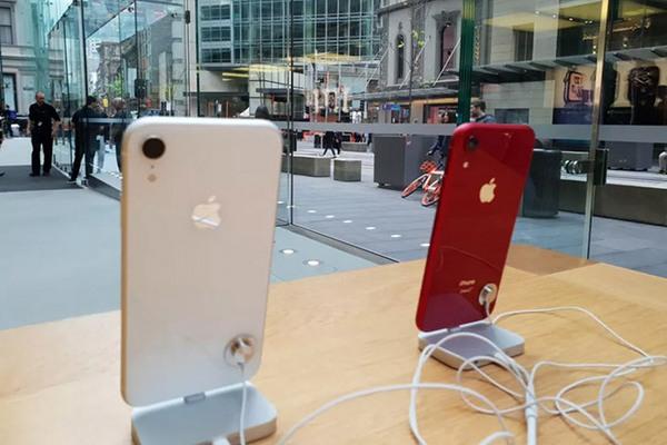 Gene Munster: Apple Store vắng khách trong ngày mở bán iPhone XR không hẳn là tín hiệu xấu