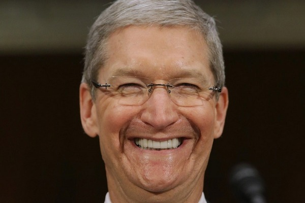 """CEO Tim Cook """"vui ra mặt"""" vì iPhone XR được đón nhận nồng nhiệt tại Trung Quốc"""