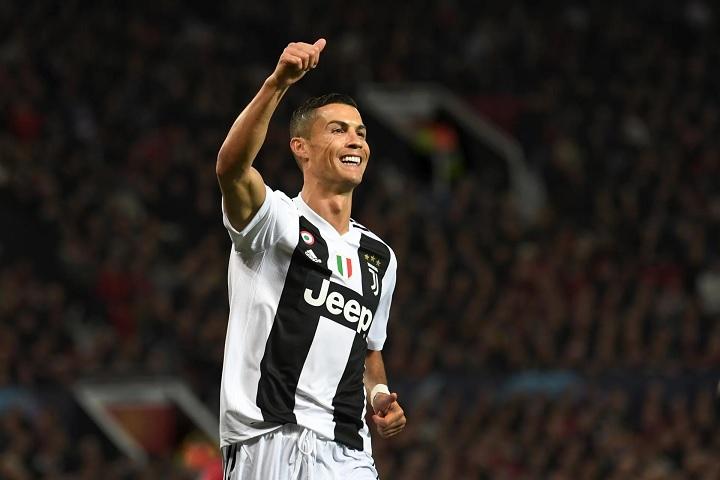 """Là """"ông vua"""" mới của Instagram, một bài đăng của Cristiano Ronaldo trị giá bao nhiêu tiền?"""