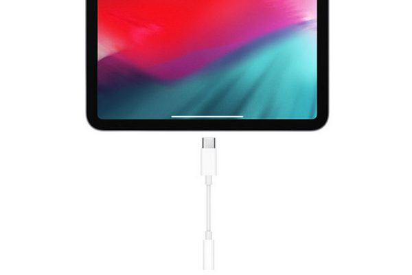 Muốn nghe nhạc trên iPad Pro 2018, bạn sẽ cần mua giắc chuyển USB-C sang 3.5mm, giá 9 USD