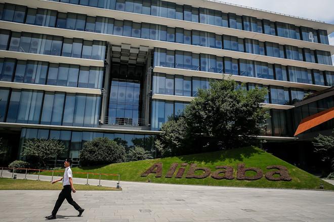 Alibaba là nạn nhân mới của chiến tranh thương mại Mỹ - Trung