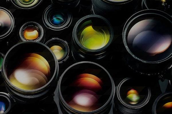 Tại sao các ống kính máy ảnh thường rất to và nặng?