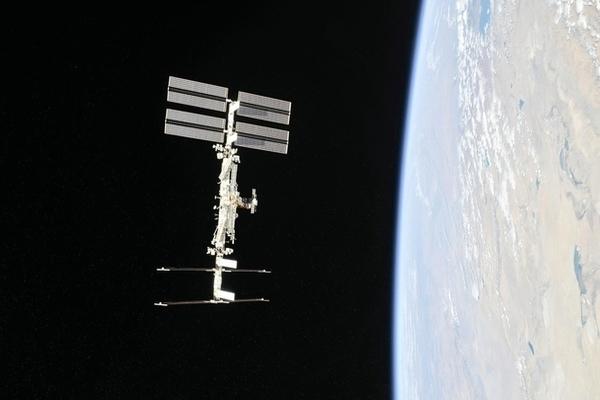 """Chùm ảnh: Sự """"vi diệu"""" của Trạm Vũ trụ Quốc tế ISS"""