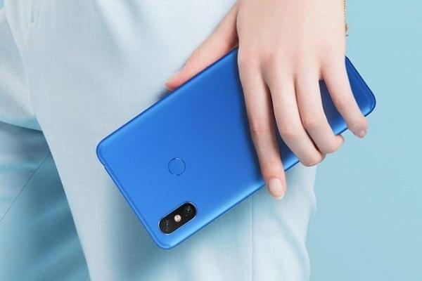 Xiaomi Mi 9 có thể dùng Snapdragon 8150, 3 camera