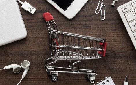 'Bơi' giữa đại dương đỏ thương mại điện tử, các shop kinh doanh thời trang online làm cách nào để sống sót?