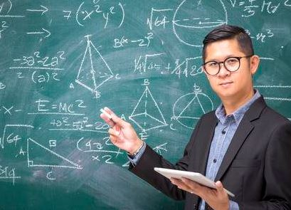 Nghiên cứu phát hiện lý do đàn ông IQ cao có xu hướng chung thuỷ hơn