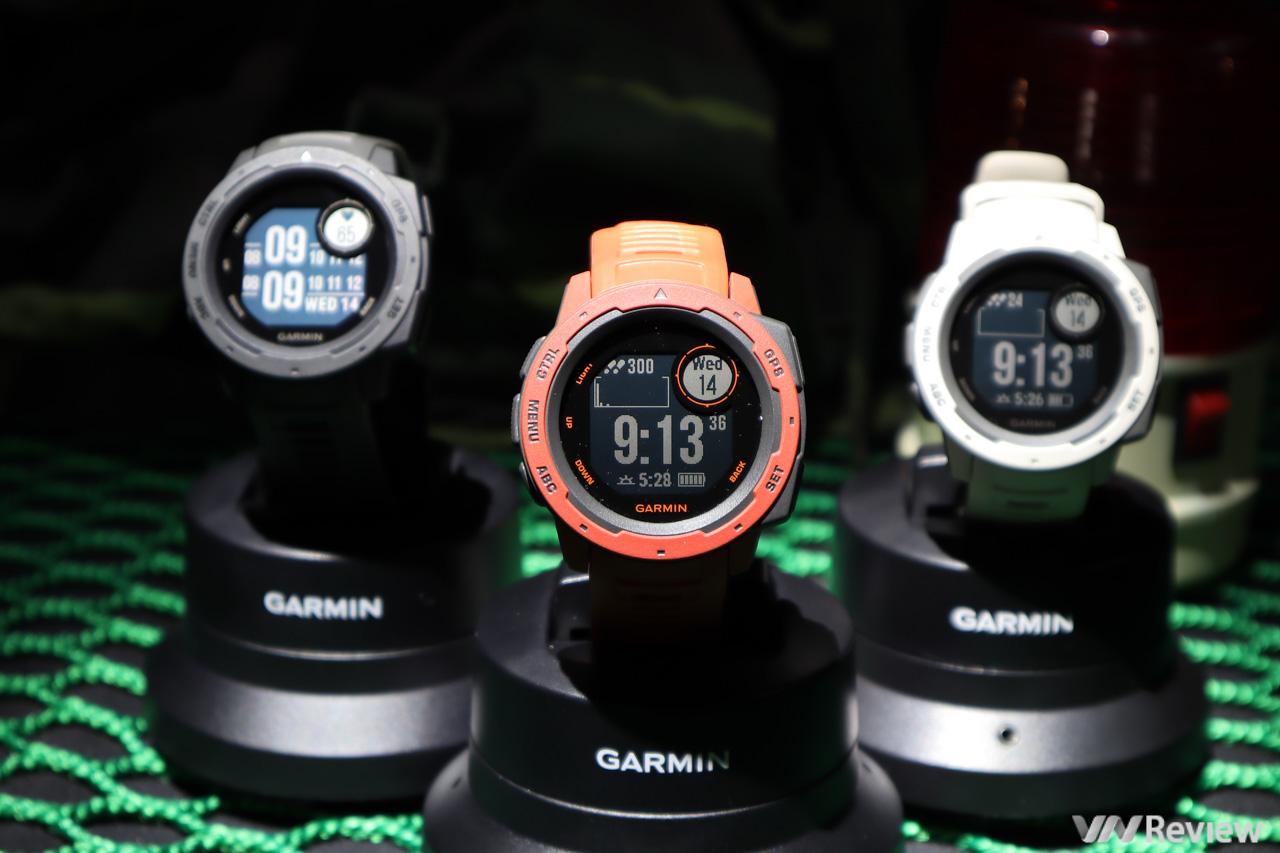Trên tay Garmin Instinct: smartwatch đông đá 2 ngày, ném từ cầu thang 2 mét vẫn sống