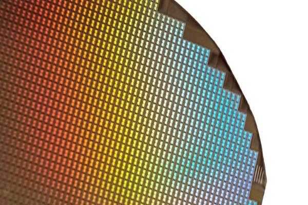 Samsung tiếp tục đánh bại Intel để trở thành hãng bán dẫn lớn nhất thế giới