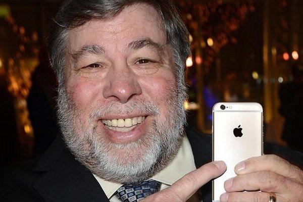 """Đồng sáng lập Apple cho rằng Steve Jobs sẽ hài lòng với """"Apple của ngày hôm nay"""""""