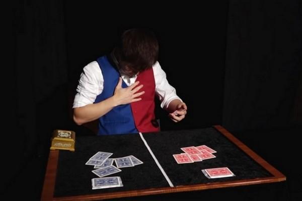 """Ngỡ ngàng với màn trình diễn ảo thuật """"hack não"""" của nhà vô địch World Championship of Magic"""