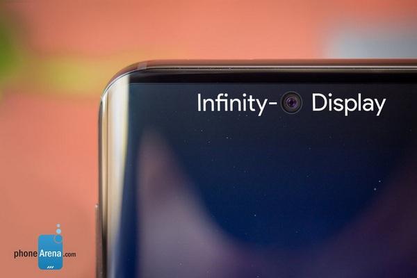 Galaxy S10 có màn hình nốt ruồi, 3 camera sau, cảm biến siêu âm và giao diện One UI?