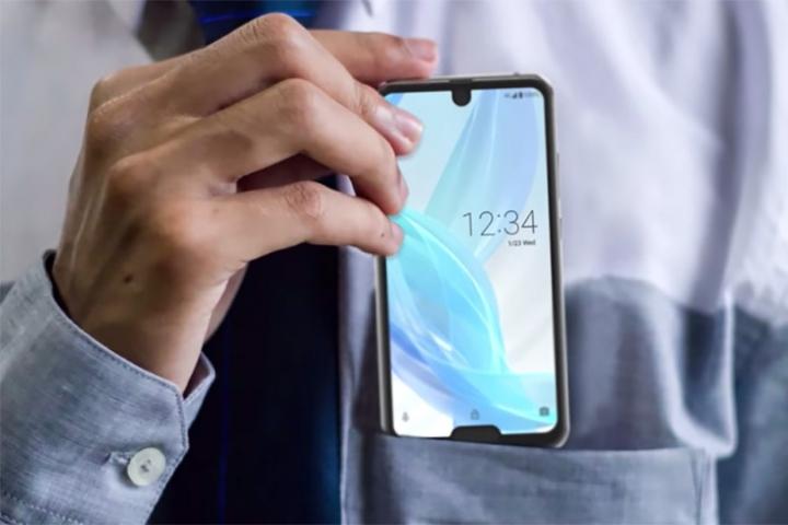 Với combo giọt nước + tai thỏ: Sharp Aquos R2 xứng đáng là điện thoại ngớ ngẩn nhất trong lịch sử smartphone!