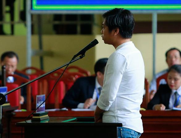 Phạm Quang Thành cờ bạc