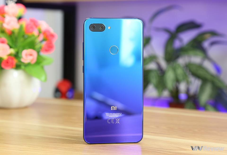 Đánh giá chi tiết Xiaomi Mi 8 Lite: màn