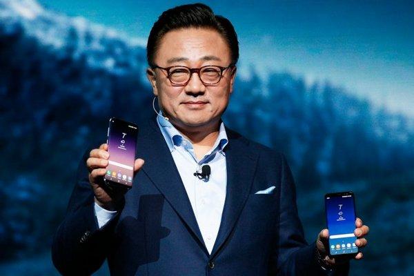 """Sếp Samsung kỳ vọng Galaxy S10 và Galaxy F sẽ giúp mảng di động đi qua """"giông bão"""""""