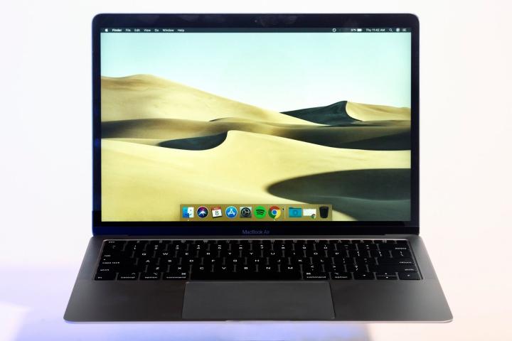 MacBook Air mới tốt đấy, nhưng đây là 7 điều tệ nhất về nó