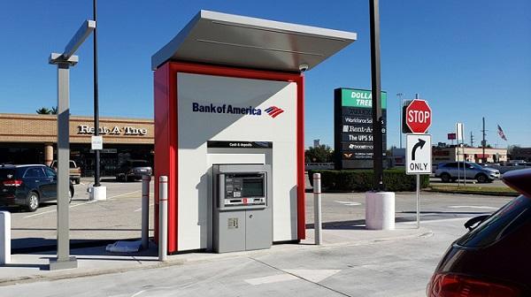 Cây ATM rút 10 USD được 100 USD, dân đổ xô tới rút, ngân hàng bảo không phải trả lại