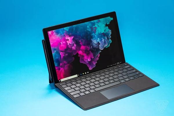 Microsoft làm cho bàn phím Surface Pro mỏng hơn nữa