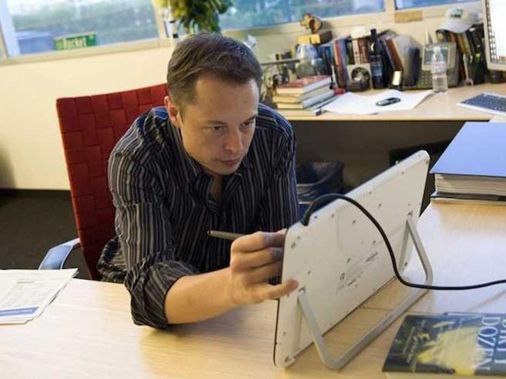 Elon Musk: Con người cần làm việc trên 80 giời một tuần để thay đổi thế giới