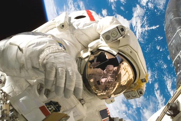 Trạm vũ trụ ISS có chứa vi khuẩn và một trong số chúng có thể gây bệnh cho phi hành gia
