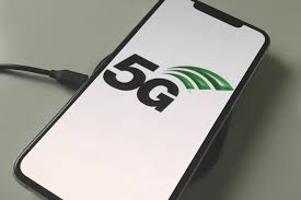 """Apple sẽ """"lạc hậu"""" trong cuộc đua 5G với các đối thủ Android"""
