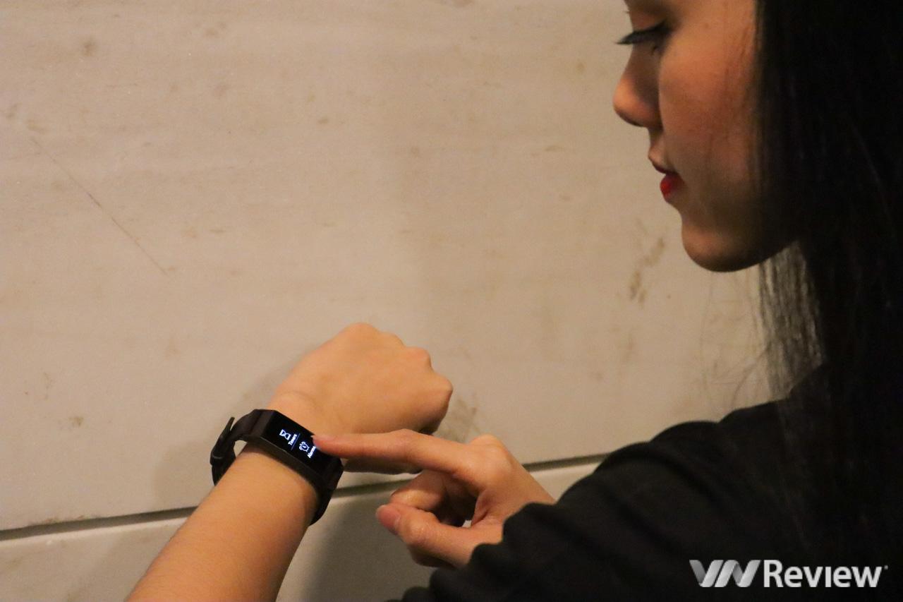 Trên tay Fitbit Charge 3: thiết kế unisex, bơi lội thoải mái, nhiều tính năng theo dõi tập luyện