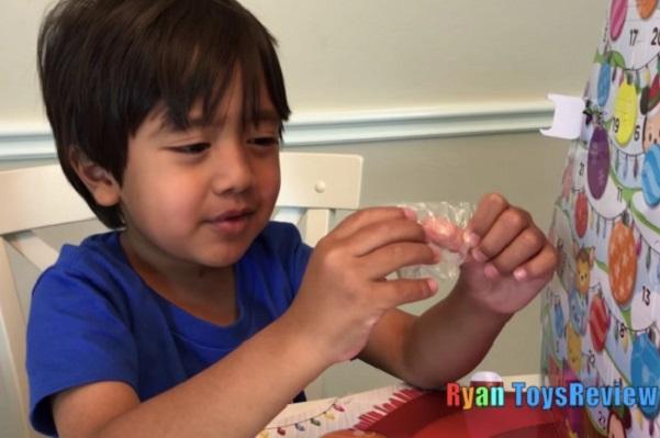 Làm thế nào cậu bé 7 tuổi kiếm được 22 triệu USD từ YouTube?