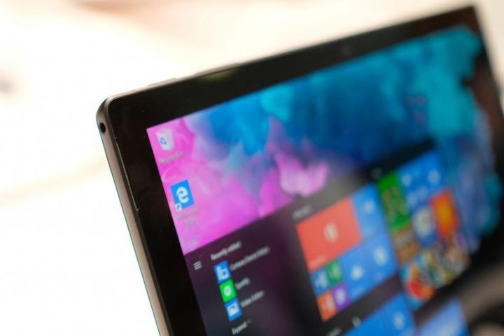 Surface Centaurus sẽ là chiếc tablet màn hình kép mang tính cách mạng của Microsoft