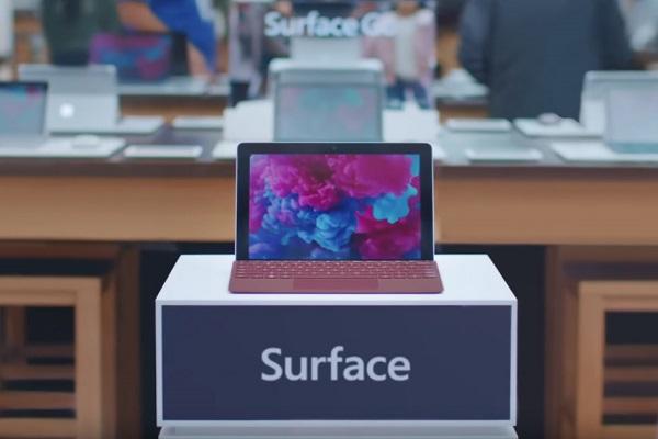 """Microsoft """"đá đểu"""" Apple, chấn chỉnh lại rằng iPad Pro không phải là máy tính"""