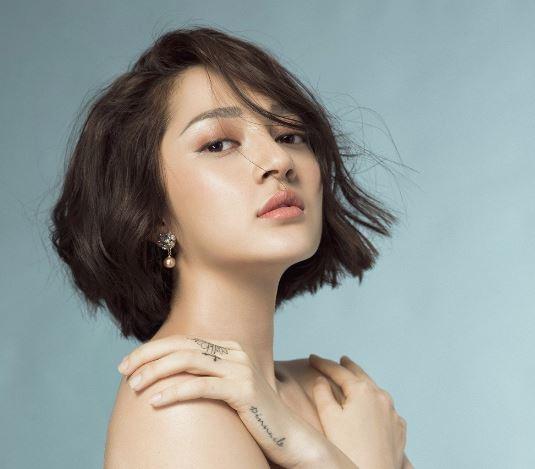 Bảo Anh tung đoạn chat với Phạm Quỳnh Anh để chứng minh cô không cặp bồ với Quang Huy