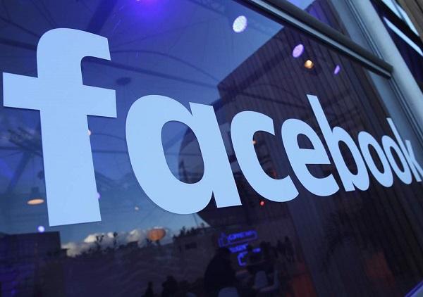 """Đừng ngần ngại ấn """"bỏ theo dõi"""" trang Facebook ai đó để đổi lấy hai chữ """"bình yên"""""""