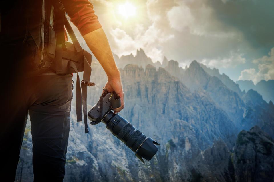 Du lịch miễn phí cả năm, nhận lương 100.000 USD, chỉ mỗi việc chụp ảnh sống ảo cho khách hàng