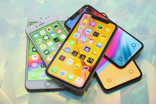 """iPhone Xr gặp vấn đề tương tự iPhone 5c: Chẳng ai muốn sử dụng một chiếc iPhone """"giá rẻ"""" cả!"""