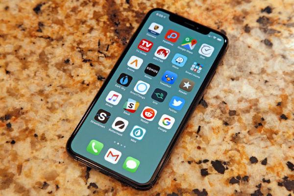 iPhone 2019 sẽ nhẹ hơn, mỏng hơn với công nghệ OLED mới