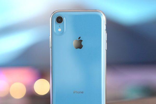 Ốp lưng nhựa chính hãng giá gần 1 triệu đồng của Apple: Liệu có đáng bỏ tiền mua?