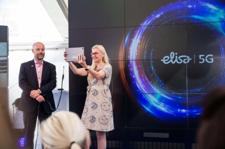 Đã có gói cước 5G đầu tiên trên thế giới, giá 1,33 triệu đồng