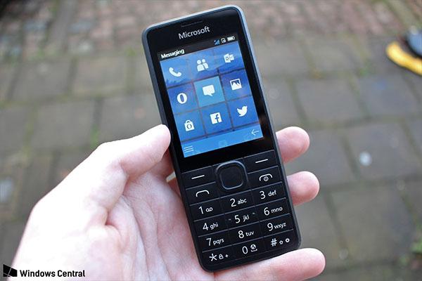 """Rò rỉ ảnh """"dumb phone"""" của Microsoft với giao diện live tiles giống Windows Phone"""