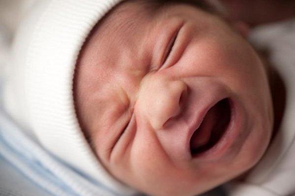 """Lý giải tại sao tiếng trẻ em khóc lại """"đinh tai nhức óc"""" và khó chịu đến vậy?"""
