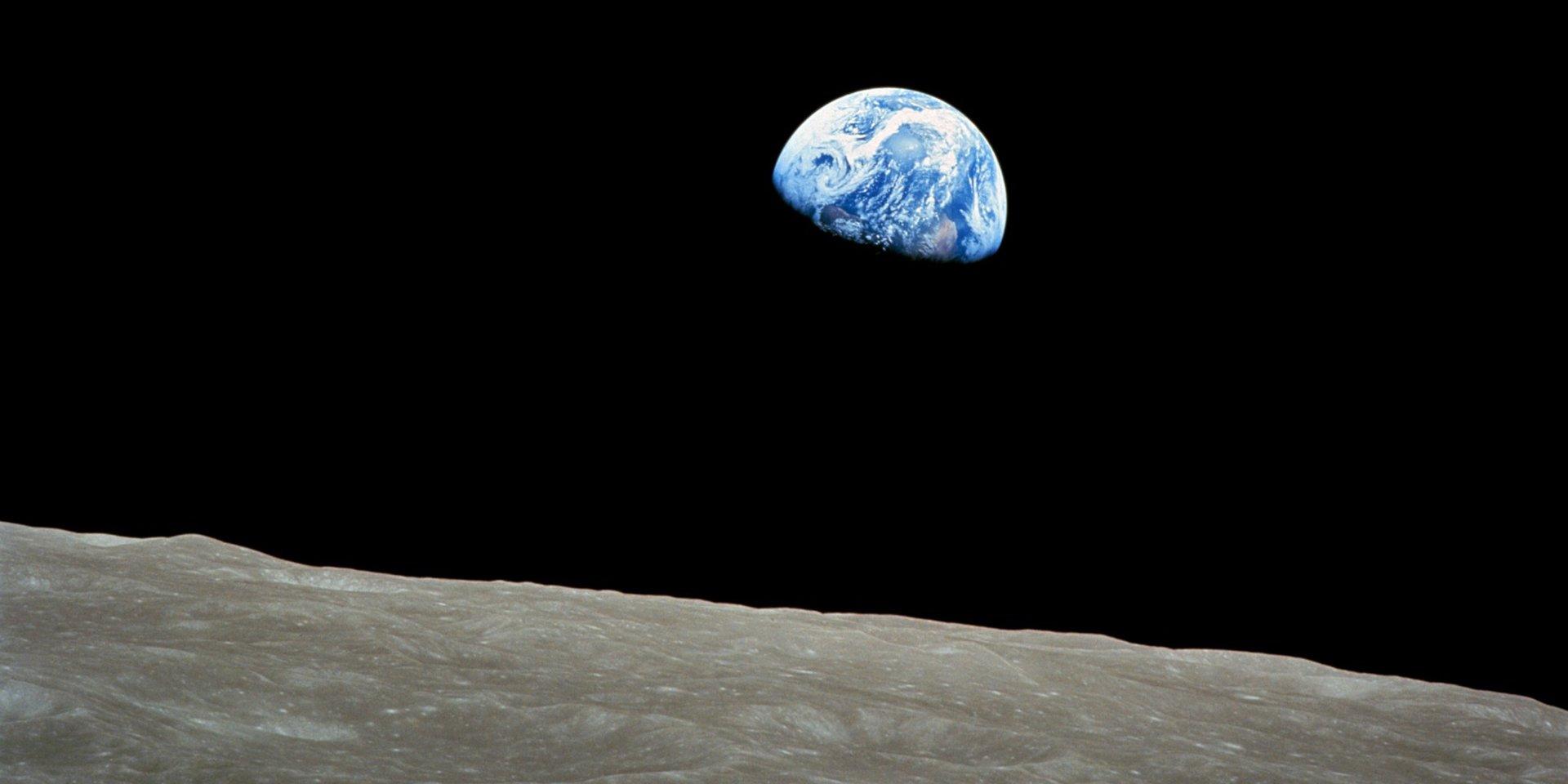 """Câu chuyện thú vị về bức ảnh """"Trái Đất mọc"""" nổi tiếng vừa tròn 50 tuổi"""