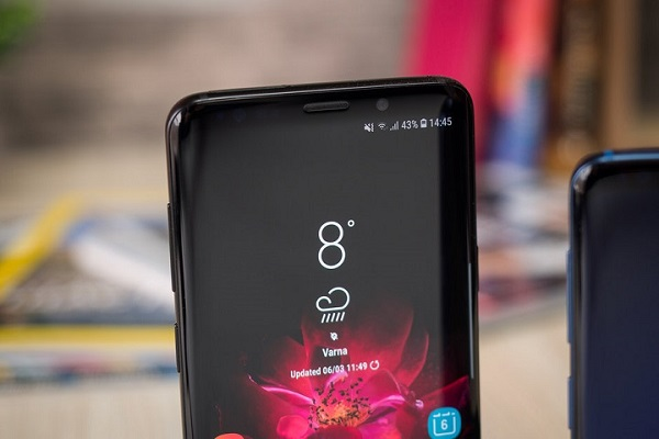 Smartphone tầm trung của Samsung sẽ được trang bị màn hình cong trong tương lai?