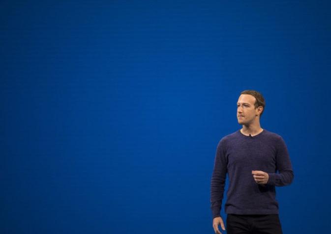 Mark Zuckerberg: 3 vạn người để đảm bảo Facebook hoạt động
