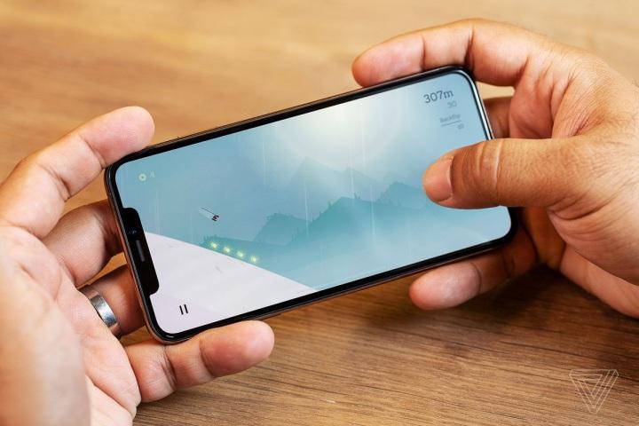 Apple đổ lỗi chương trình thay pin giá rẻ khiến doanh số iPhone bị ảnh hưởng