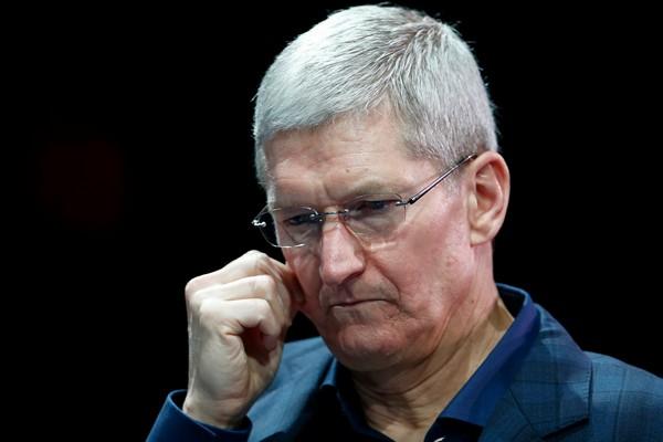 Cổ phiếu sụt giảm mạnh, Apple mất hơn 450 tỷ USD và giờ chỉ là công ty lớn thứ 4 thế giới