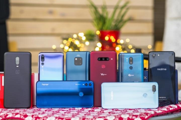 Nhìn lại những xu hướng smartphone thú vị và nhàm chán nhất 2018 [phần 1]