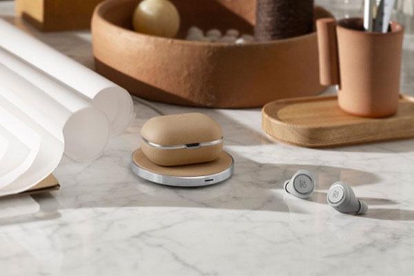 [CES 2019] B&O ra mắt Beoplay E8 2.0, tai nghe true wireless có hộp sạc không dây, giá 350 USD