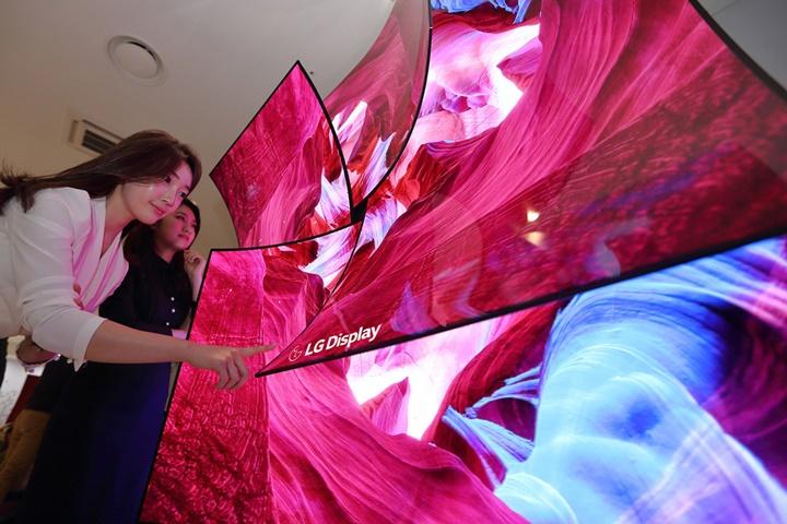[CES 2019]: LG Display trình làng màn hình OLED 88 inch 8K với âm thanh tích hợp