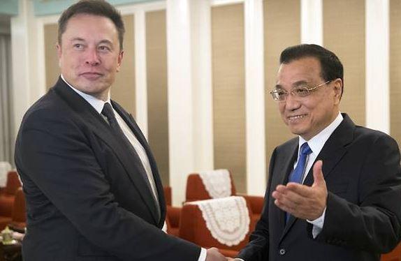 """Trung Quốc đề nghị cấp """"thẻ xanh"""" cho Elon Musk"""