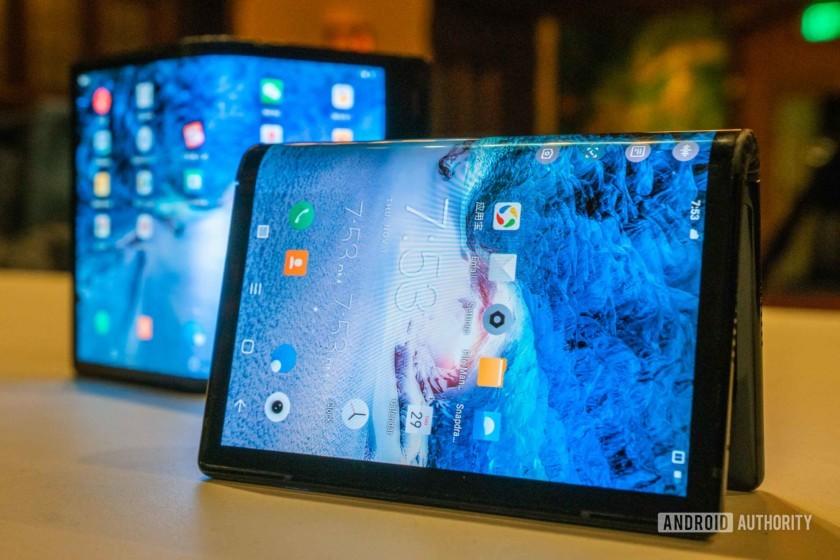 Đừng kỳ vọng màn hình gập và 5G năm nay, vì công nghệ đột phá thường khởi đầu rất tệ